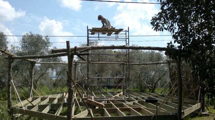 סטודיו ליוגה - השלד מעץ