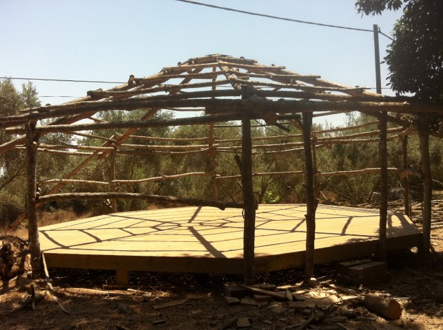 סטודיו ליוגה - שלד מעץ