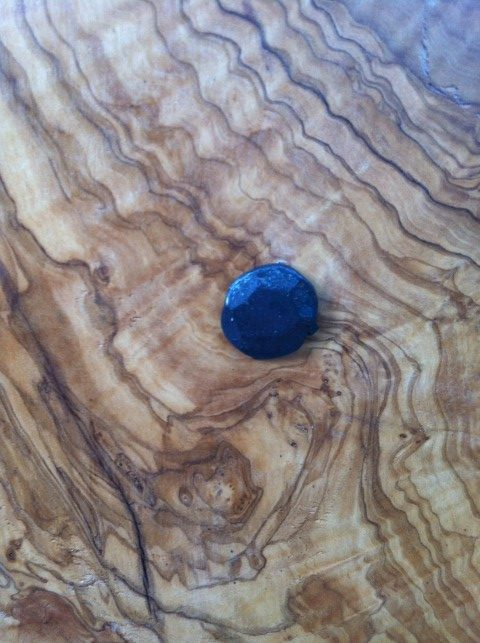 שולחן מעץ זית