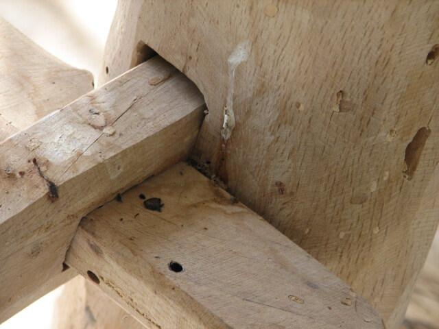כסא נדנדה מעץ אלון